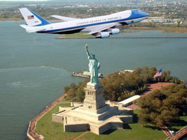 Air Force One over the Statue of Liberty, photoshop vesion