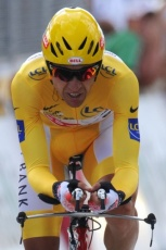 Carlos Sastre in yellow!