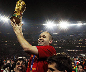 Spain defeats Holland 1-0 in World Cup final