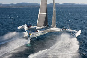 l'Hydroptère breaks the world record for 500m (51 knots!) and 1000m (48 knots!)