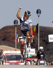 Contador wins Etna, takes Giro lead