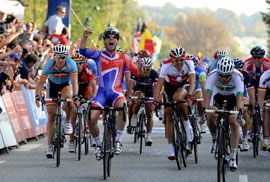 Mark Cavendish wins 2011 world road racing championship
