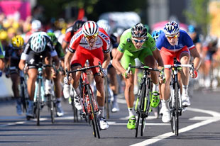 Alexender Kristoff battles Peter Sagan to the finish of stage 12
