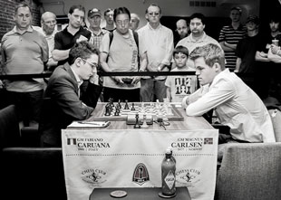 Fabiano Caruana plays Magnus Carlsen at the 2014 Sinquefield Cup