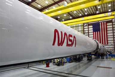 SpaceX: the NASA worm is back